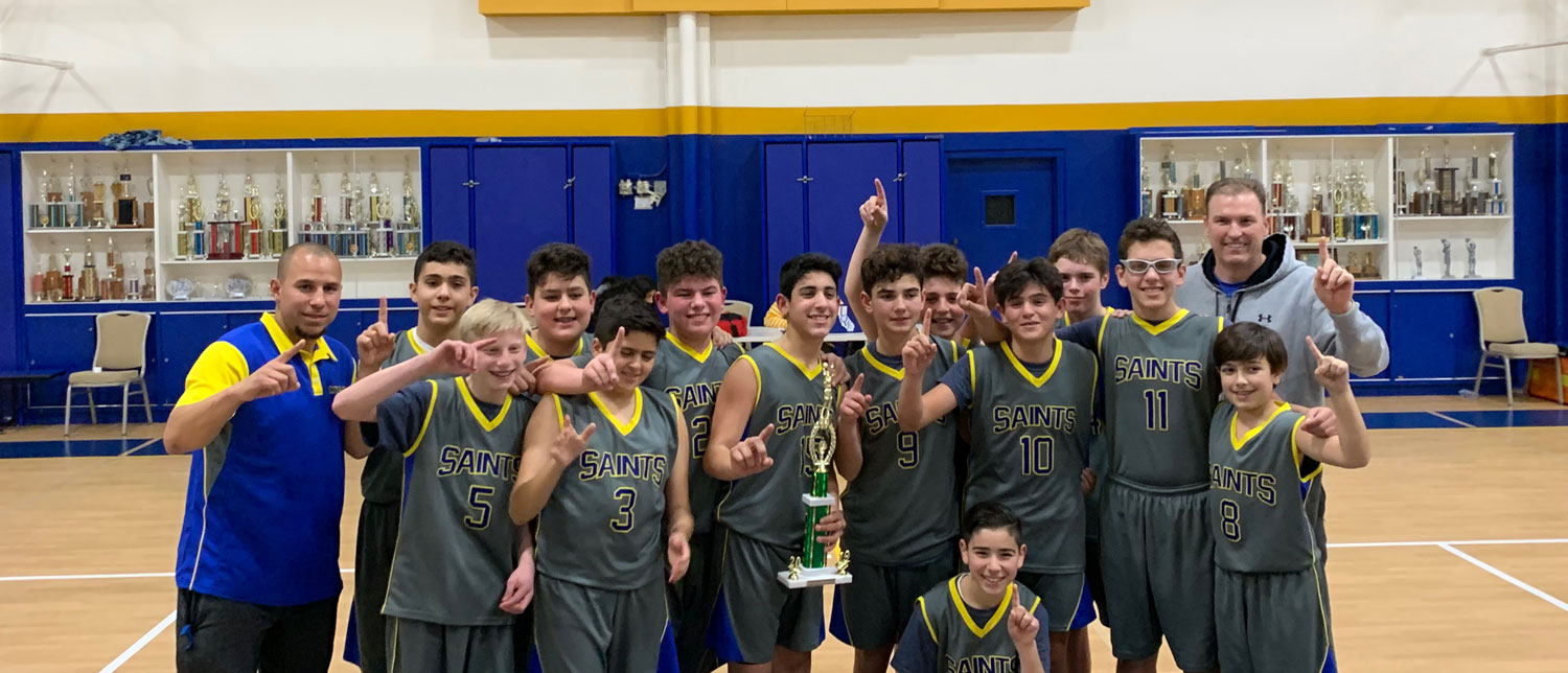 basketball team with trophy